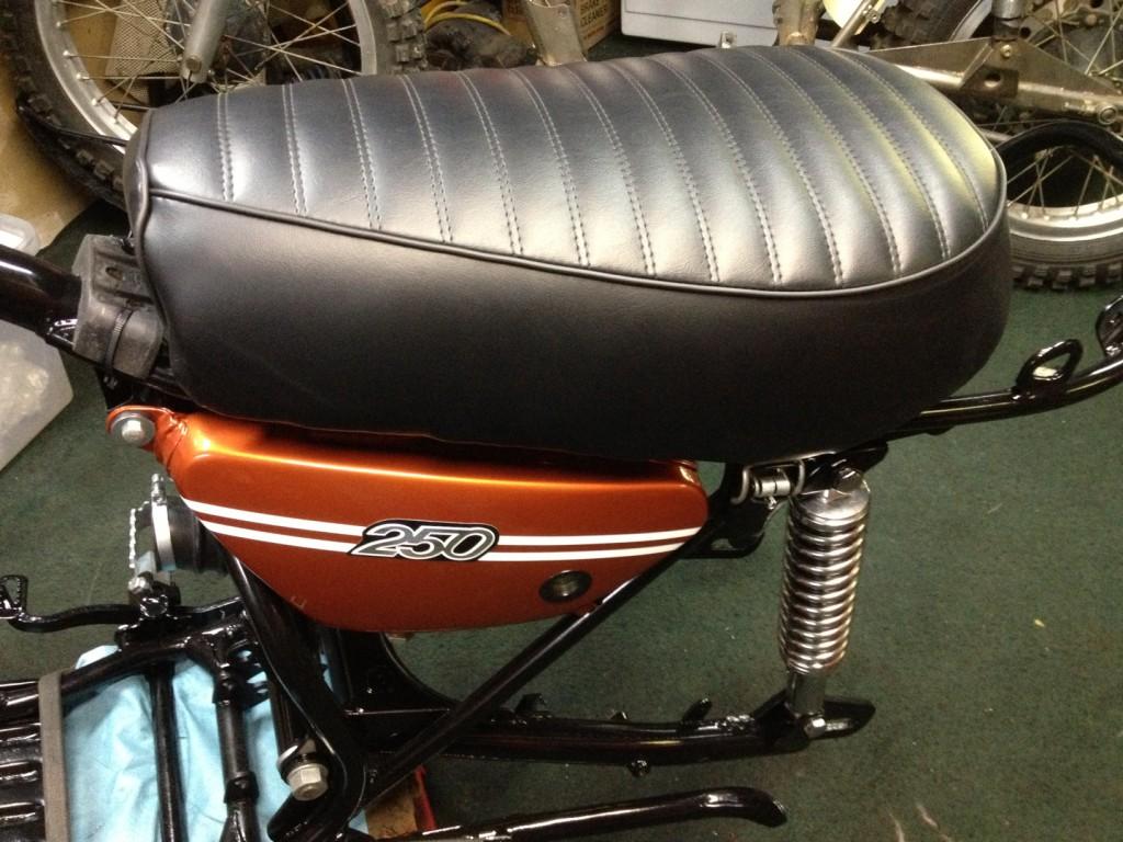 DT1MX Seat
